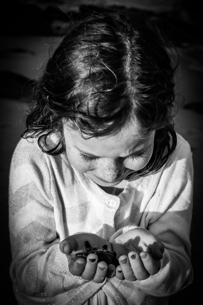 Lilah and starfish B&W 6x4